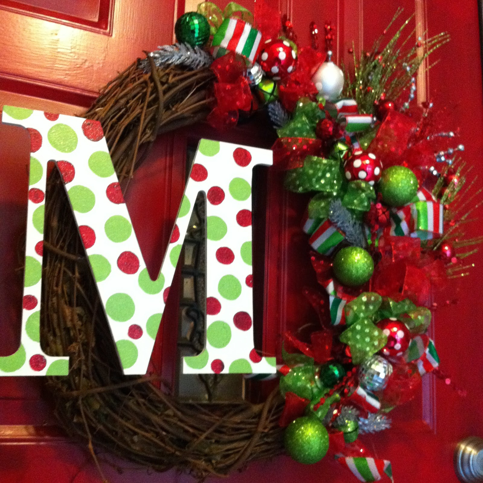 The life of mrs martinez christmas wreath for Door garland christmas