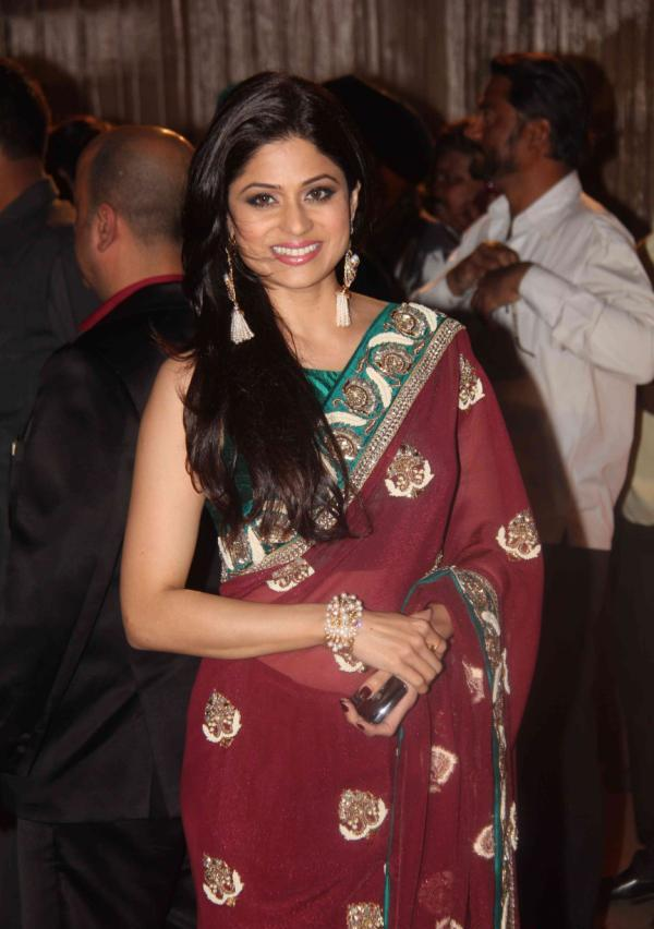 Shamita shetty in saree1 - Shamita shetty in Saree at Dheeraj Deshmukh Wedding Reception