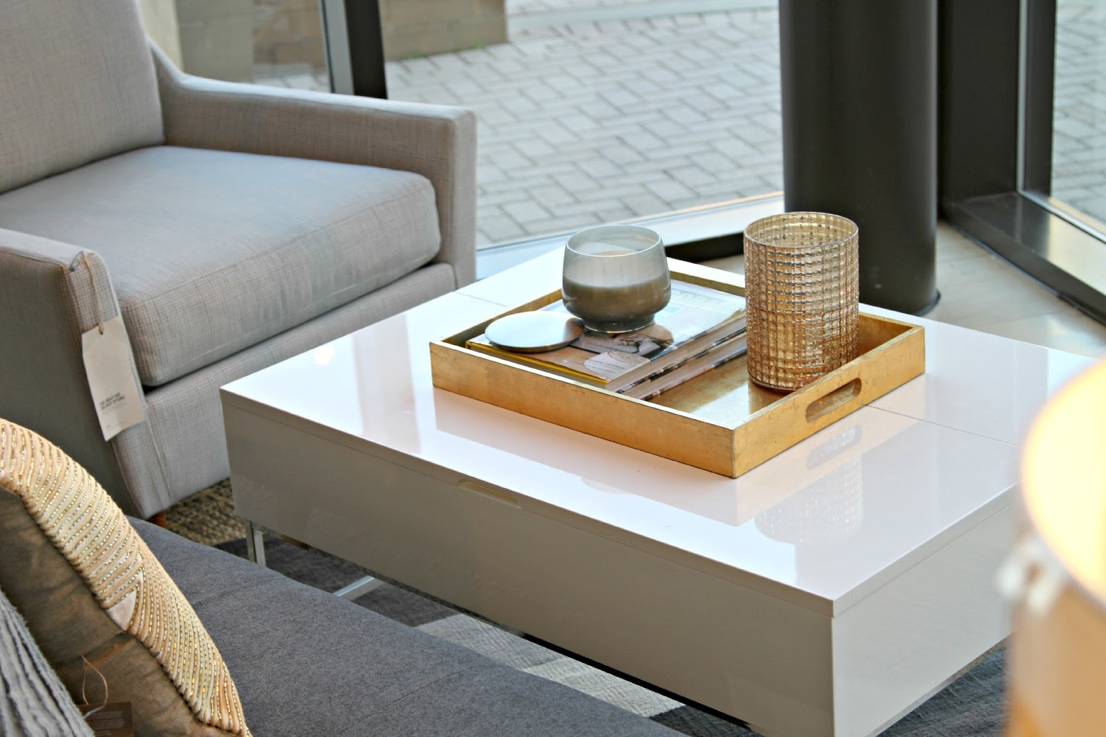 6 steps to styling a coffee table tray