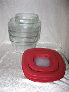 Rubbermaid glass containers