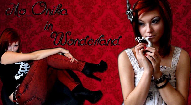 Mo_Onika in Wonderland