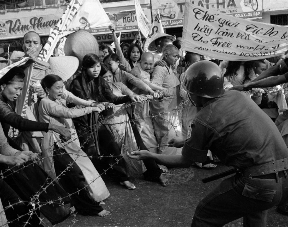 buddhist riot of 1963 Buddhist, confucian, and taoist views on benevolence benevolence can be defined as the moral inclination to be kind and compassionate if people could control their malicious behaviors and.