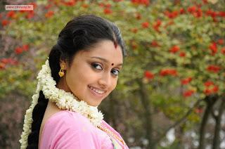 Madhavanum-Malarvizhiyum-Heroine-Shija-Rose-Stills