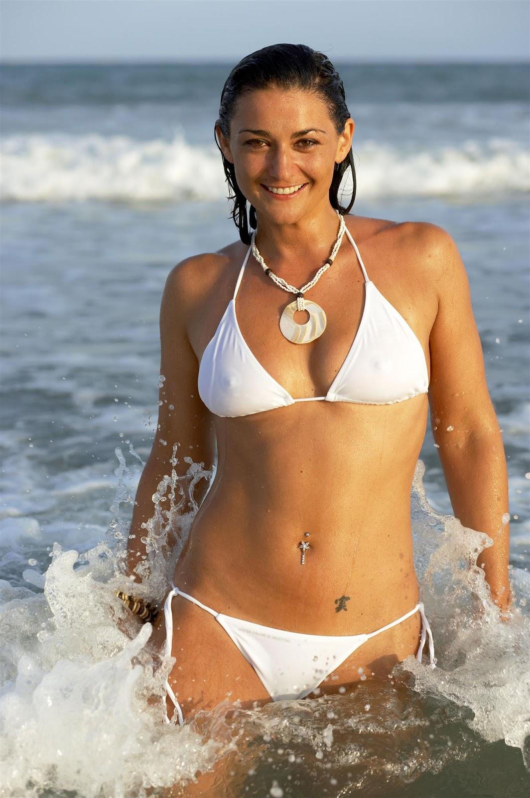 robb covered topless unknown bikini beach photoshoot picx