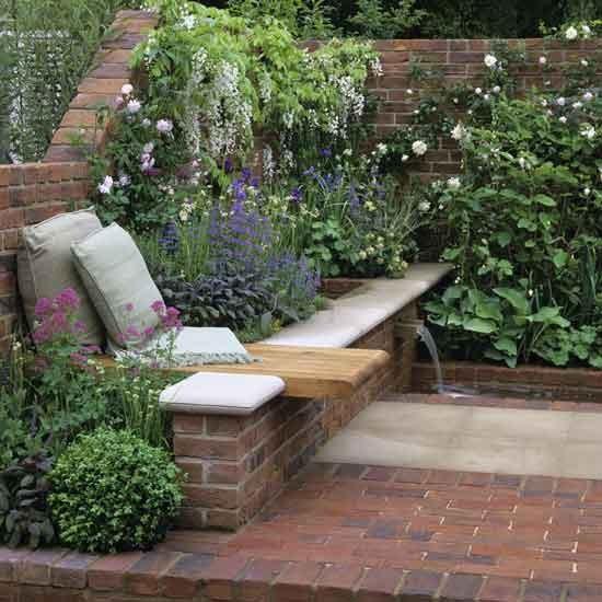 Um jardim para cuidar pequenos jardins grandes ideias for Small garden bed design ideas