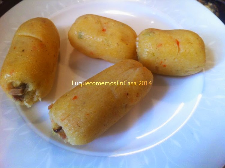 Bollitos (tamalitos) De Ají Dulce Rellenos Con Pollo O Queso