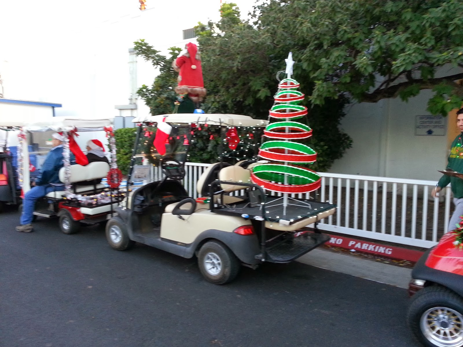 it soon became obvious that this thing is taken seriously here - Golf Cart Christmas Decorations