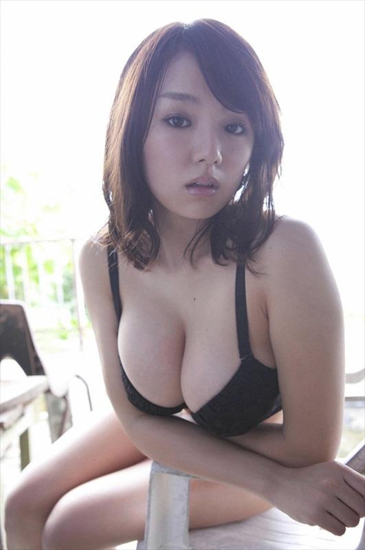 Ai Shinozaki Sexy in Bikini