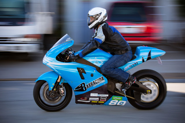 2012-Lightning-Motorcycles-www.hydro-carbons.blogspot.com-Exclusive -street-bike-