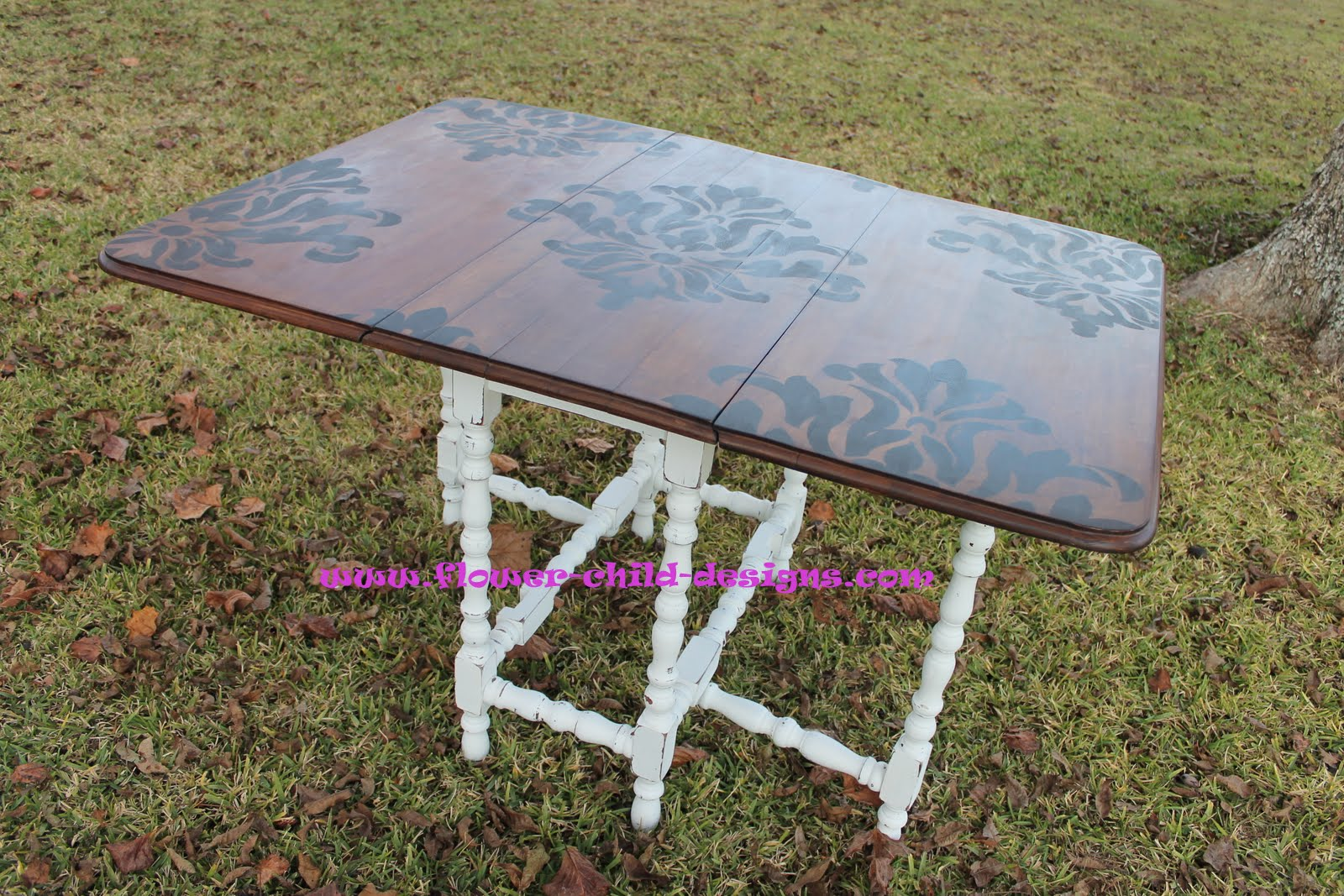 Flower child designs my pretty little table for Pretty html table