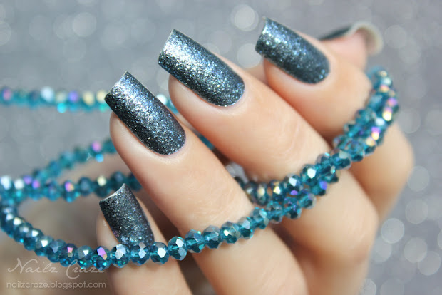 sally hansen salon effects in blue