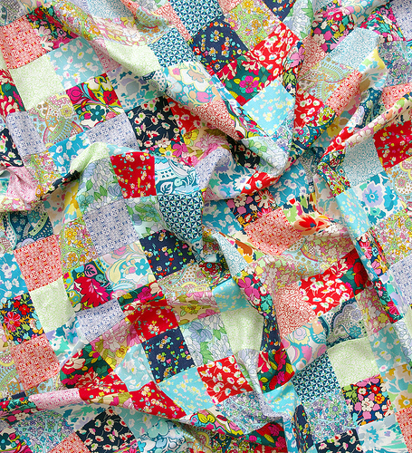Quilt Patterns With Two Fabrics : Red Pepper Quilts: Bloomsbury Gardens Quilt II