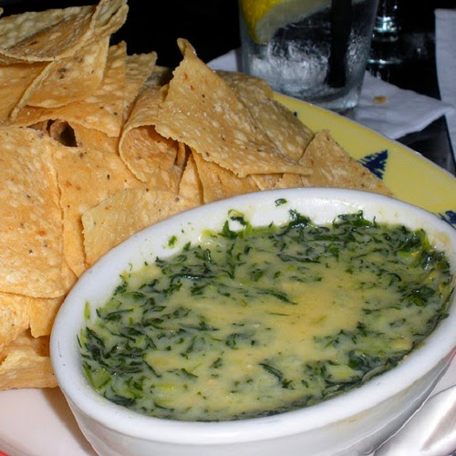 Copycat Restaurant Recipes: Houston's Spinach and Artichoke Dip Recipe
