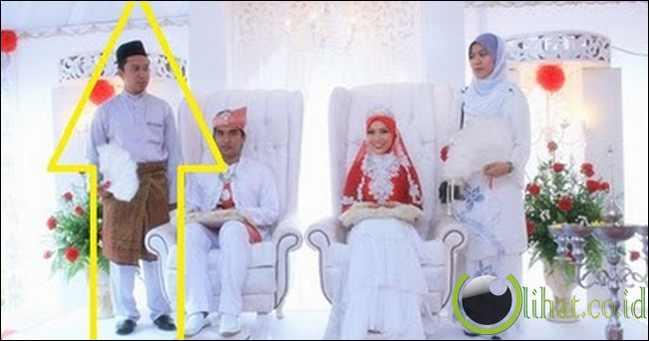 Menjadi pengapit/pengiring pengantin