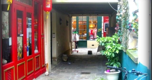 Versaillesdailyphoto blog le resto rouge - Creperie passage des deux portes versailles ...