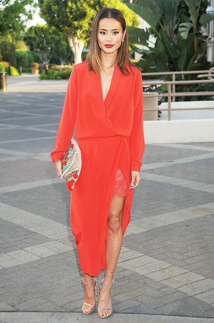 Sete dias sete looks de Jamie Ji-Lynn Chung vestido vermelho com renda