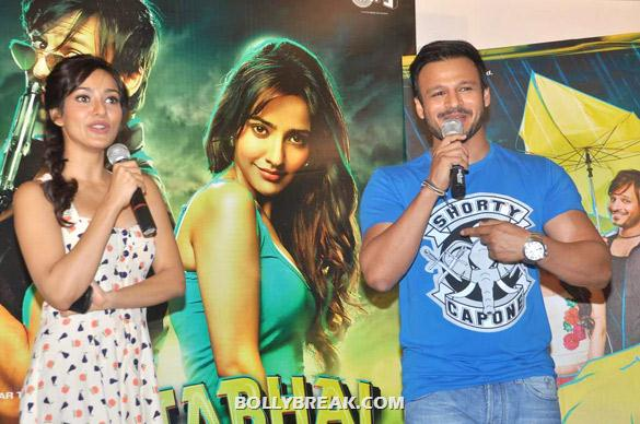 Neha Sharma, Vivek Oberoi - (2) - Neha sharma at Promo launch of 'Jayanta Bhai Ki Luv Story'
