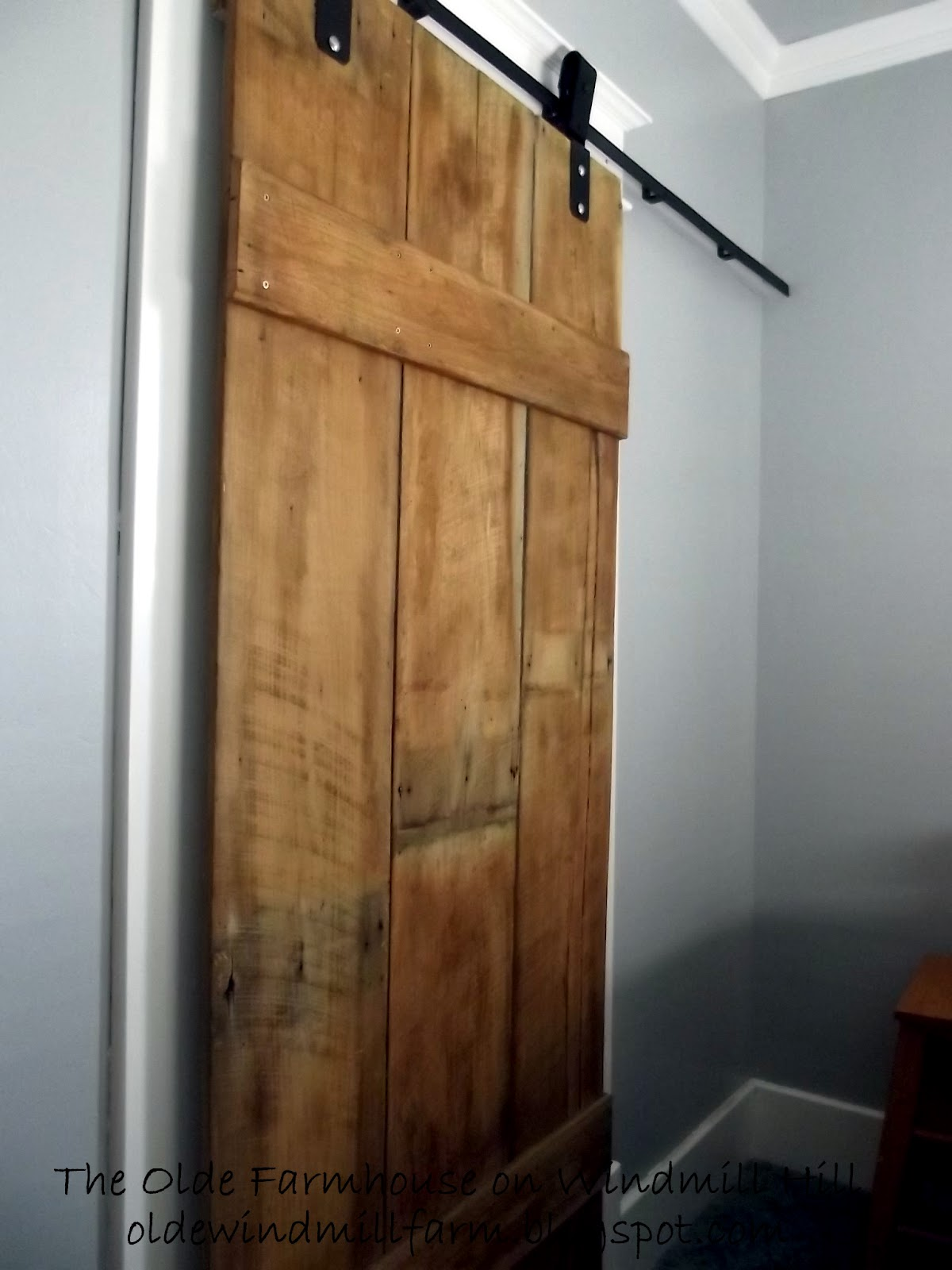 The olde farmhouse on windmill hill diy barn door details for Small closet barn door