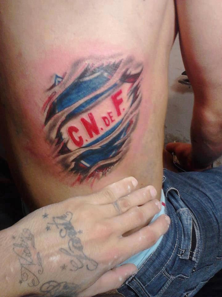 Tatuaje escudo Club Nacional de Fútbol