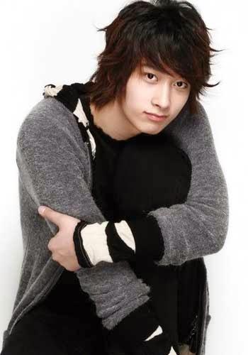 Foto Model  Rambut Cowo Korea