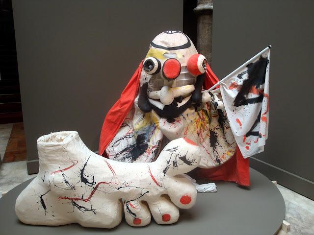 Miró y el mundo de Ubú en el palacio de Sástago