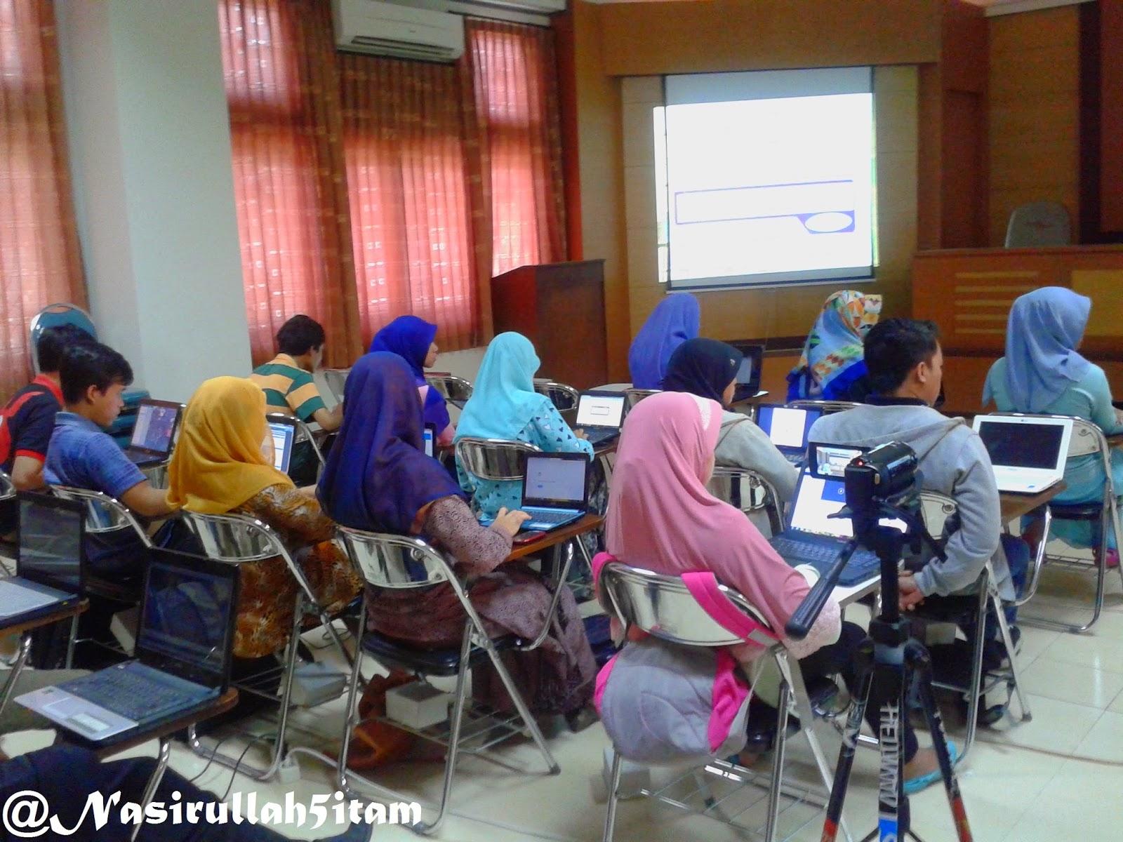 Acara pengenalan software yang diisi oleh teman kuliah