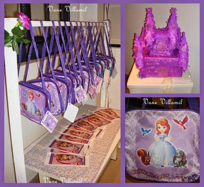 Piñata y luncheras de souvenirs para llenarlas con sorpresas!!!