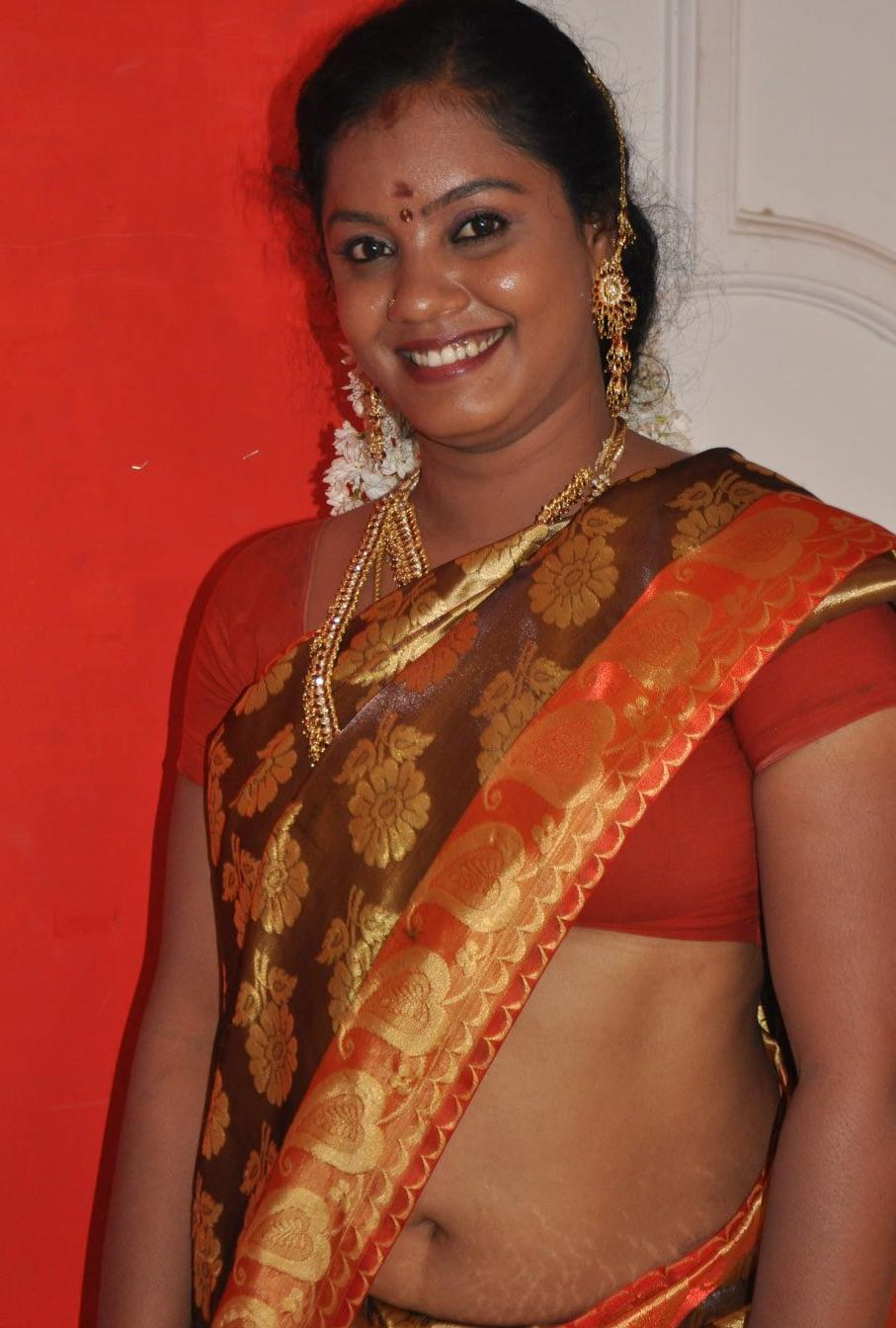 Homely Hot Aunty Deep Navel Show in RED SAREE | Gsv Pics - Photos with ...