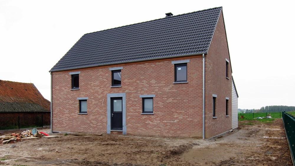 Construire en bois au pays de la pierre bleue - Carrelage exterieur couleur brique ...