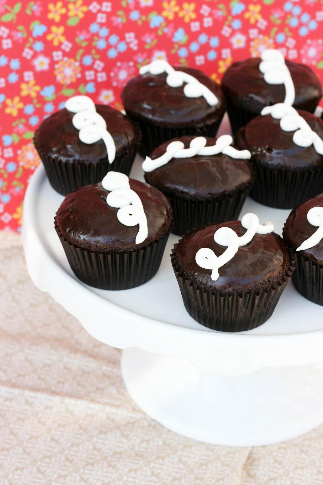 Homemade Hostess Cupcakes | Krissy's Creations