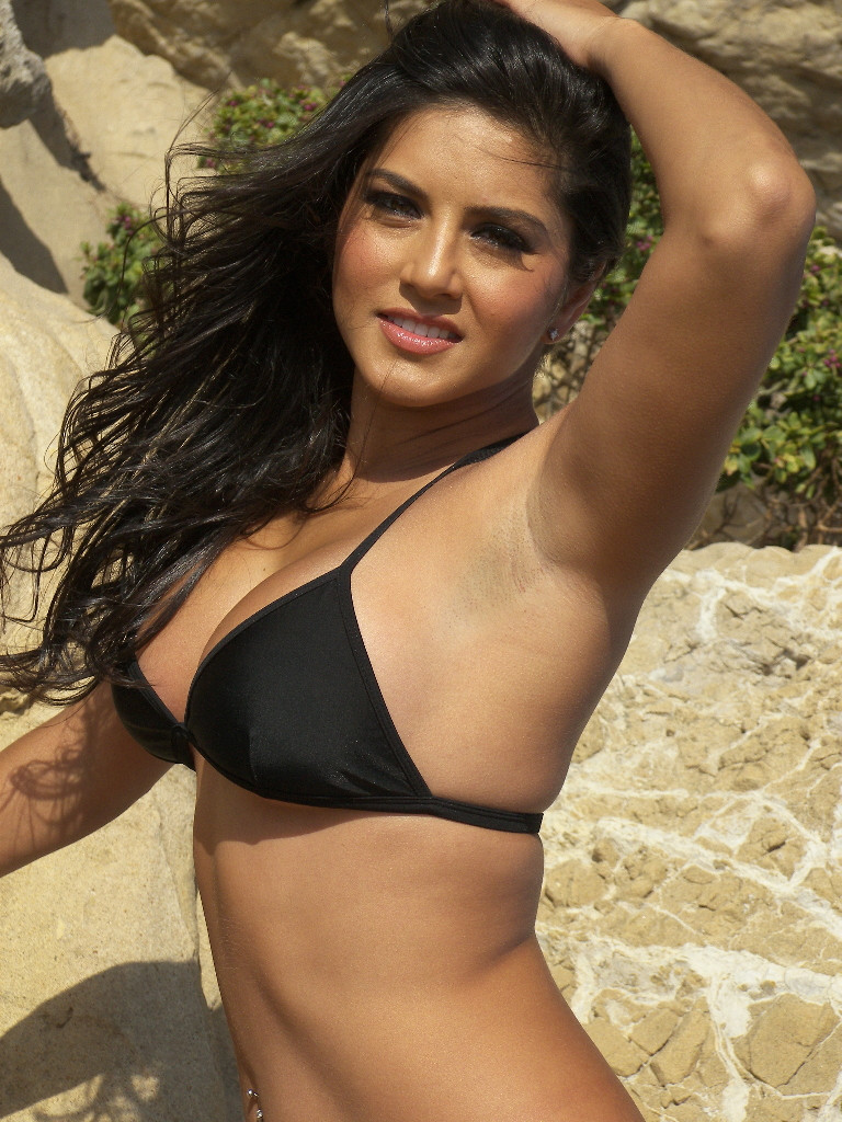 sunny leone naked on hottest pics for u