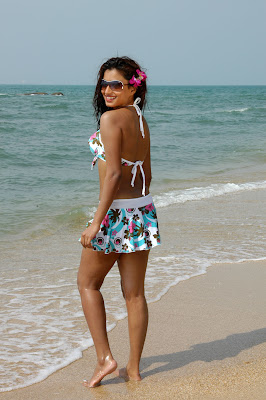 Kannada_Actress_Dimple_Chopda_Hot_Beach_Photoshoot