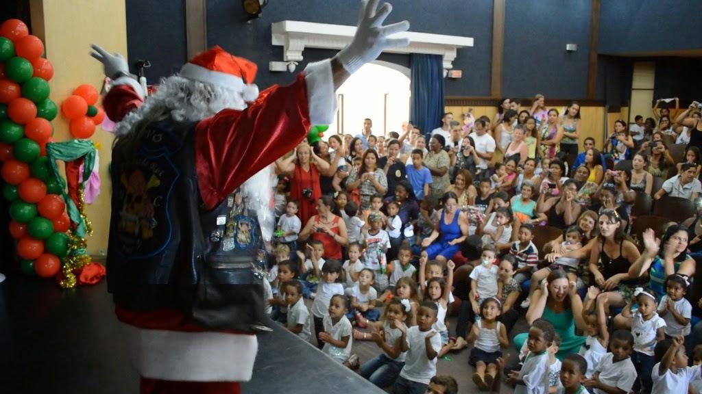 A comemoração também teve a presença do Papai Noel