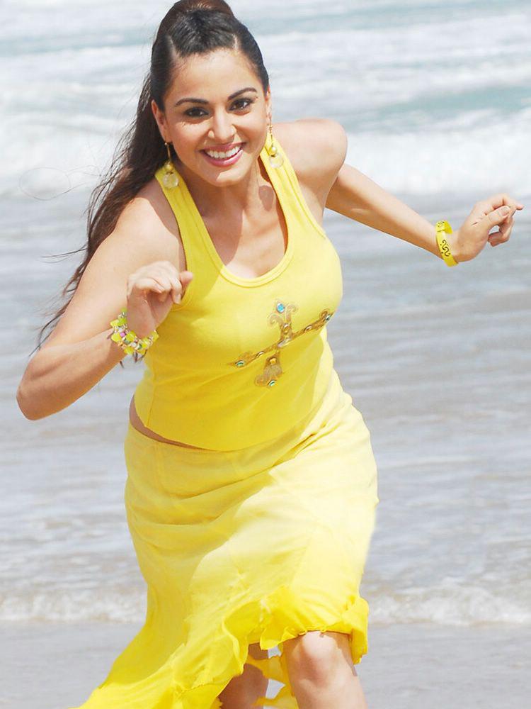 jennifer aniston yellow dress. jennifer aniston yellow dress. Shradha Arya Yellow Dress; Shradha Arya Yellow Dress. rwilliams. Mar 28, 12:34 PM. Man, Apple keeps getting lower and lower.