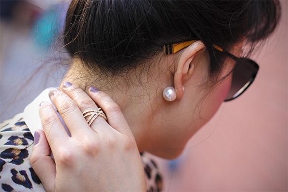 Jeweliq double pearl stud earrings