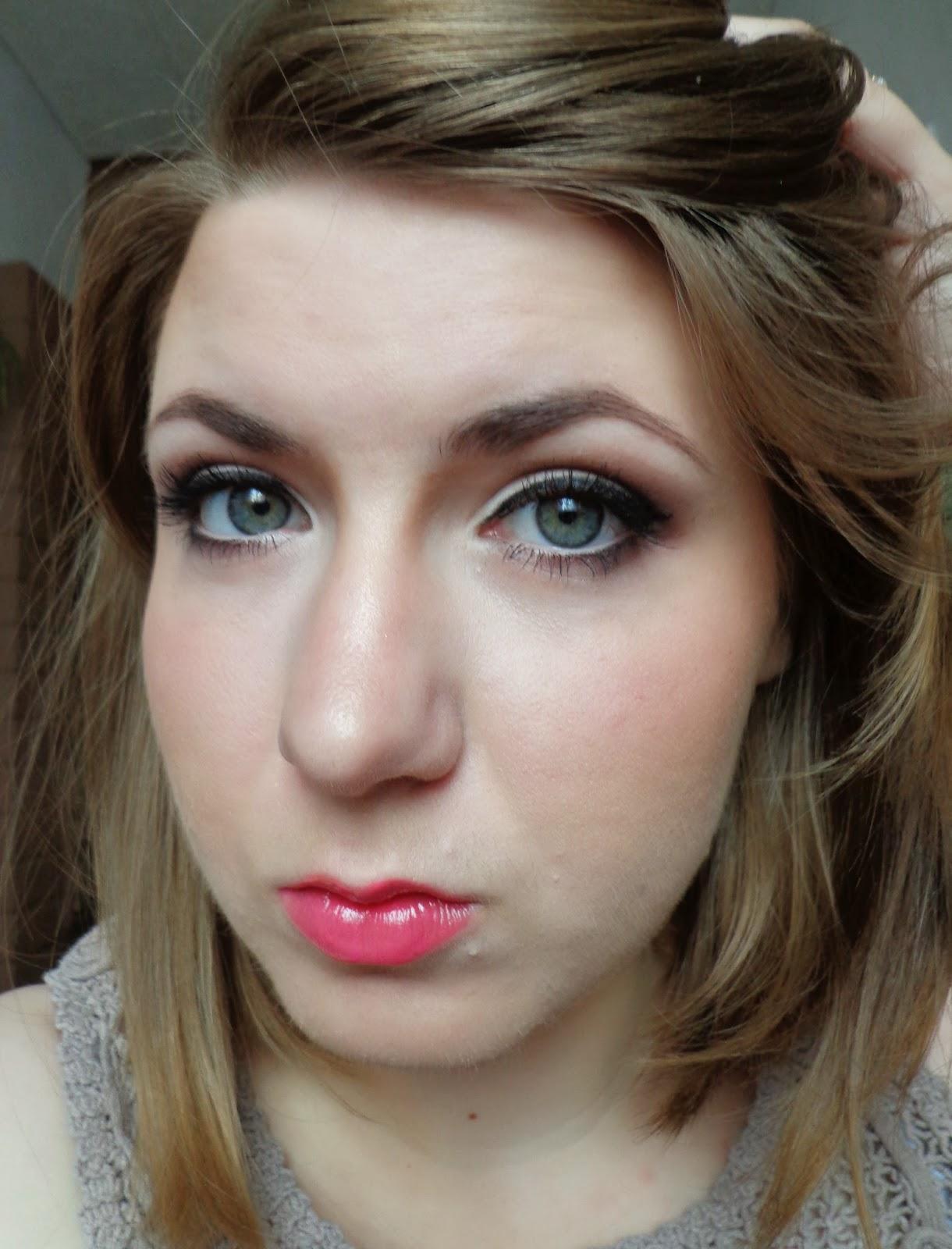 http://ka-em-makeup.blogspot.com/2014/06/makijaz-brazy.html#more