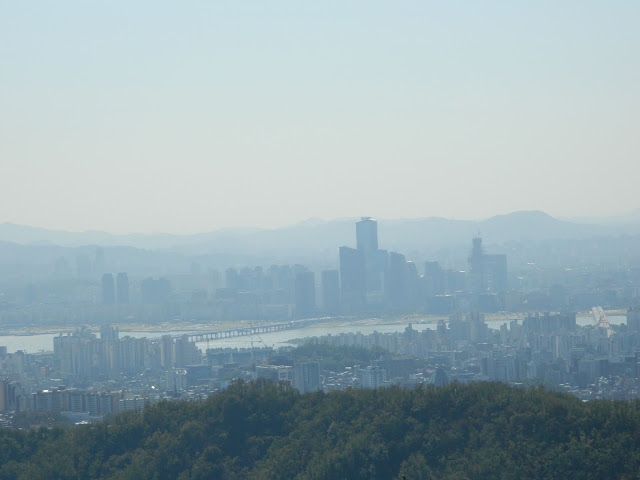 Han river from Mount Inwangsan