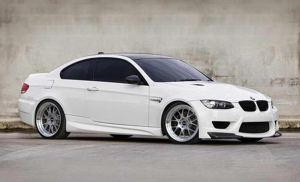 BMW E92 M3 Review Wallpaper