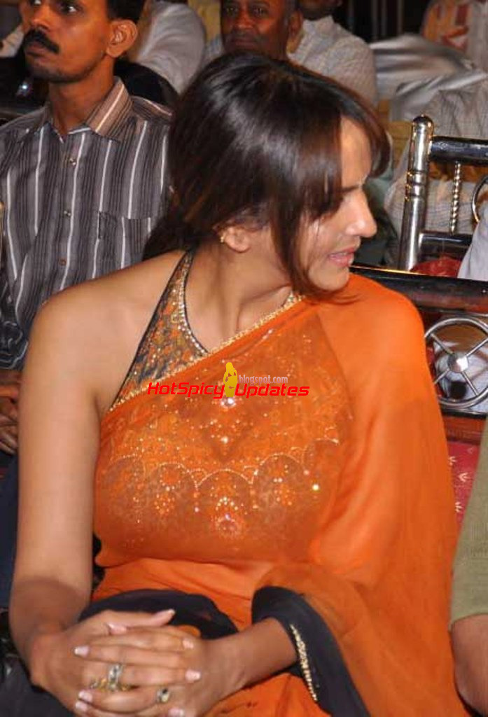 Manchu lakshmi latest hot pics