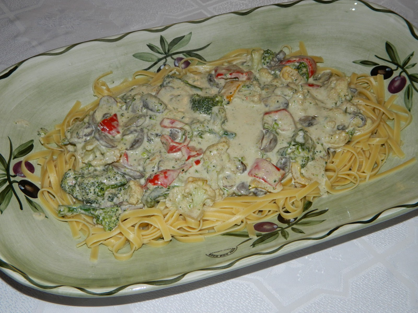 fettuccine vegetable alfredo