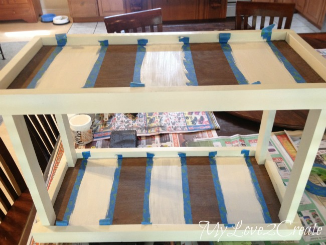 adding stripes to trays