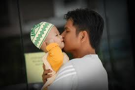 Sayang Seorang Ayah Kepada Anaknya