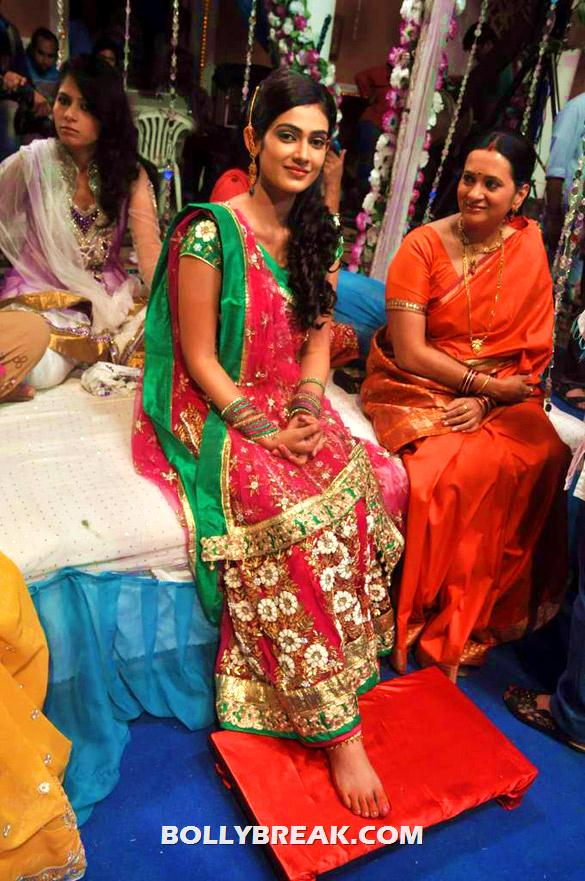 , On The Sets Of Tv Serial 'na Bole Tum Na Maine Kuch Kaha'
