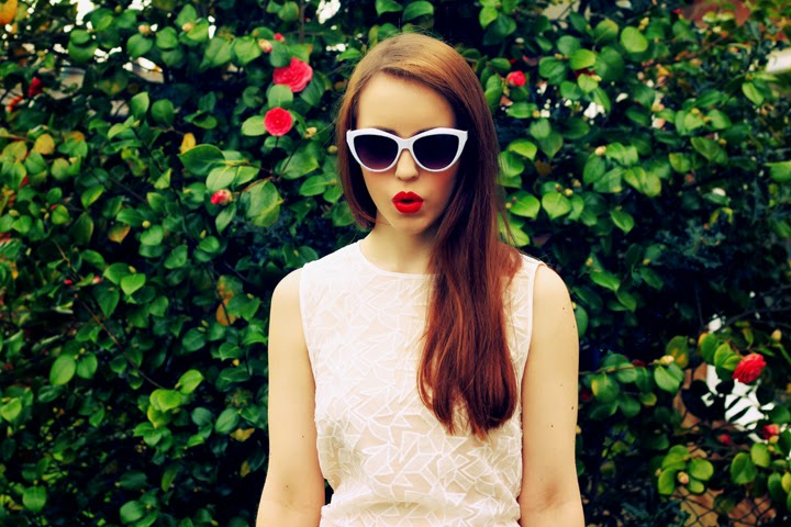 fashion blogger sixties style cateye sunglasses