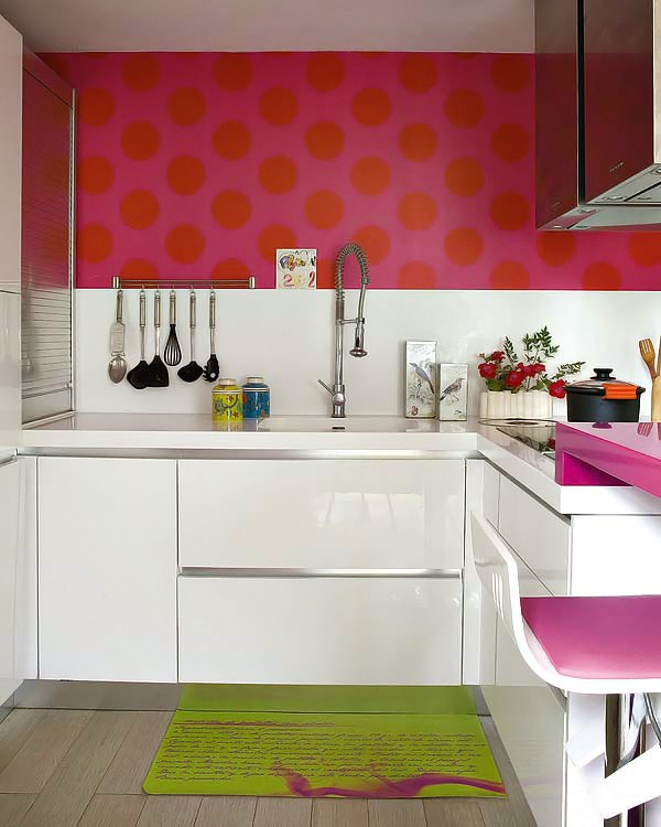 Hogar diez una cocina en tonos rosas - Cocina rosa ...