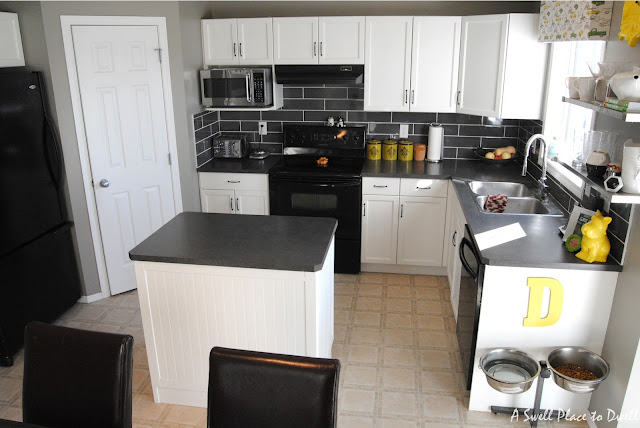 Budget Kitchen Remodel.  #paintedcabinets #kitchen