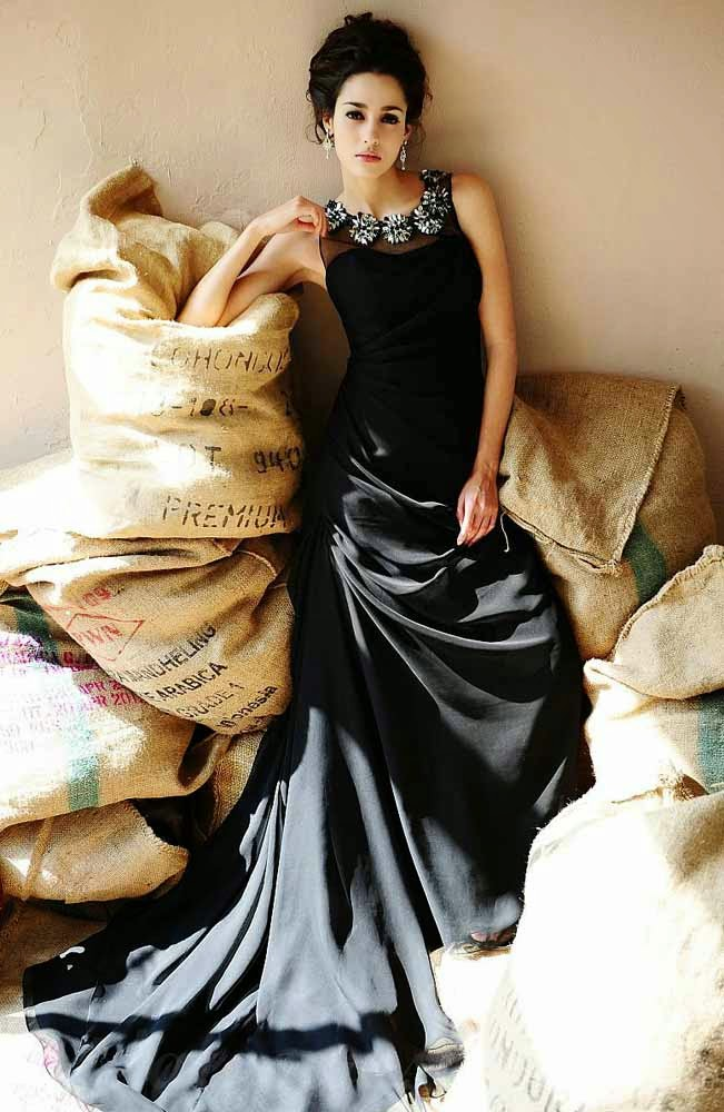 Informal Black Wedding Dresses Cap Sleeves Long Trains Design pictures hd
