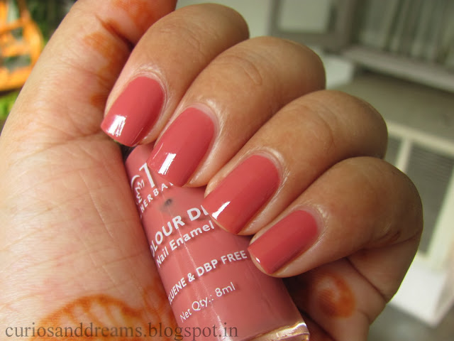 Lotus nail polish Candy Drop review, Lotus nail polish Candy Drop swatch