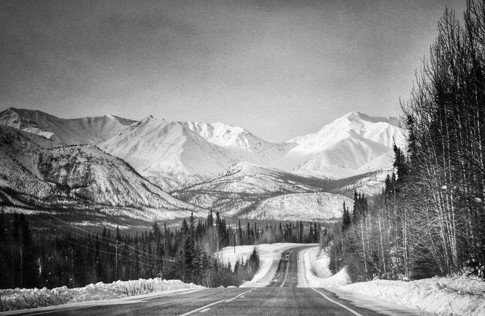 exploring-canada-winter-yukon-territory