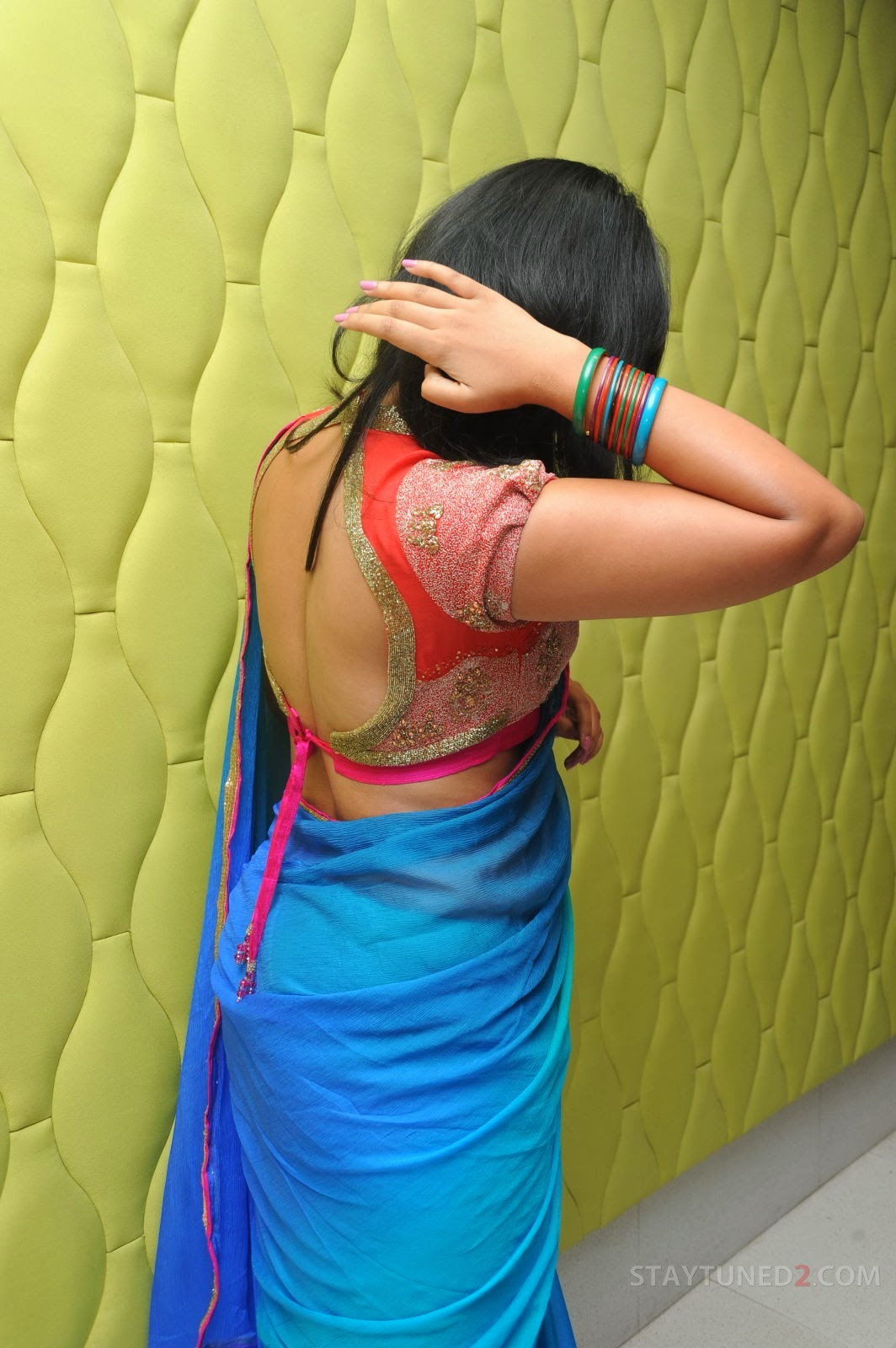 south actress anjali back, anjali hot back in saree,